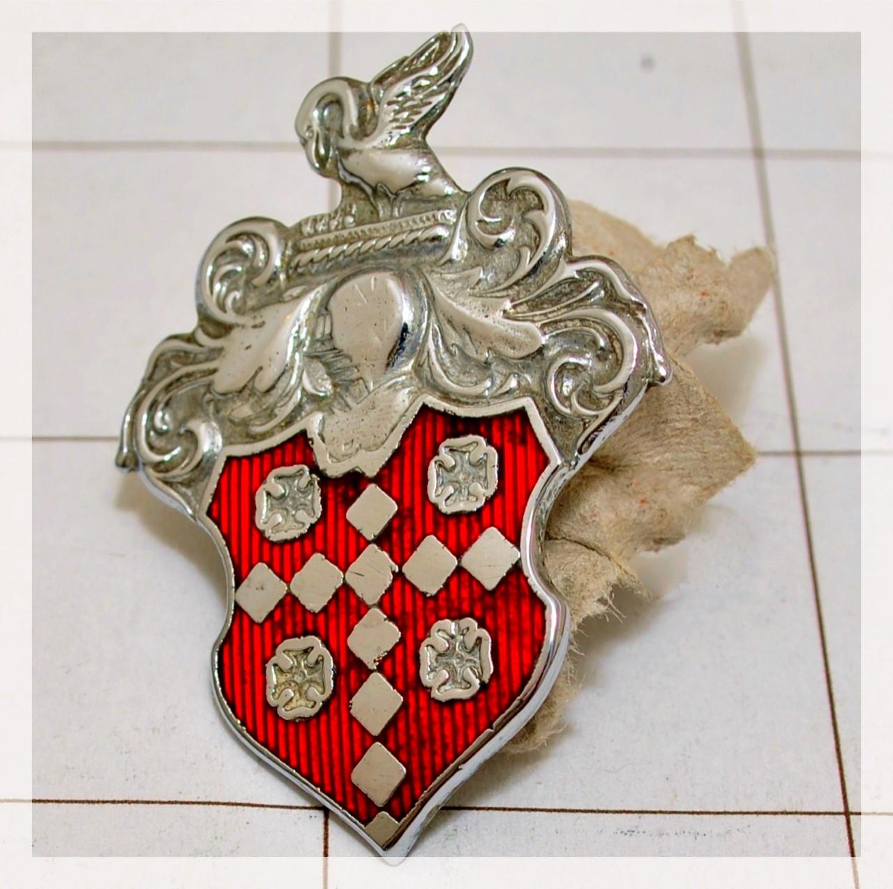 Packard Crest (sml)